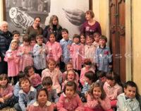 """VOGHERA 21/03/2016: """"A Picasso piaceva la Corrida, ma il quadro dove uccidevano il toro non era gentile"""". Bimbi della materna Torremenapace in gita alla mostra di Pavia diventano critici d'arte. Molta anche l'attenzione dimostrata dai bimbi per gli animali"""