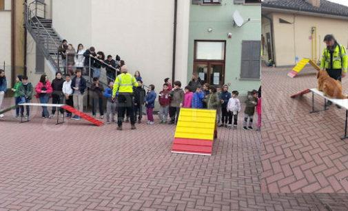 """BASTIDA CASTELLETTO 15/03/2016: """"Scuola a quattro zampe"""". Bambini a lezione di volontariato sociale e di soccorso… con i cani"""