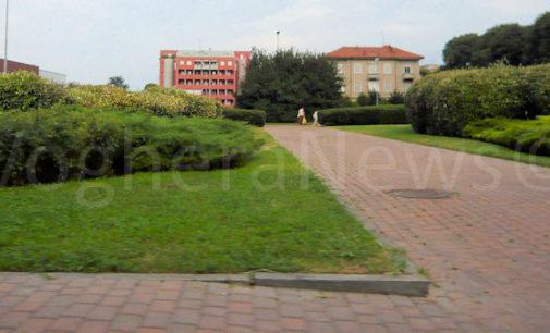 VOGHERA 29/03/2016: In quei giardini si spaccia. La denuncia di un vogherese che abita nella zona di viale Montebello- piazzale Quarleri