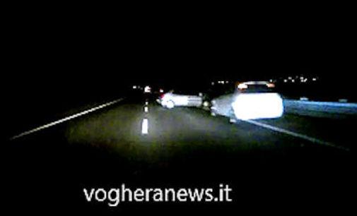 MONTEBELLO 23/03/2016: Incidente sulla tangenziale. (VIDEO) Auto rimane bloccata in mezzo alla corsia nel buio più totale