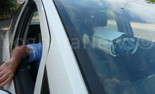 """VOGHERA 30/03/2016: Giungla Strade. Auto trovata con la revisione falsificata. Il guidatore sanzionato e denunciato racconta d'essere stato raggirato. """"Revisione affidata ad un amico"""". Ora però dovrà provare quell'accusa"""