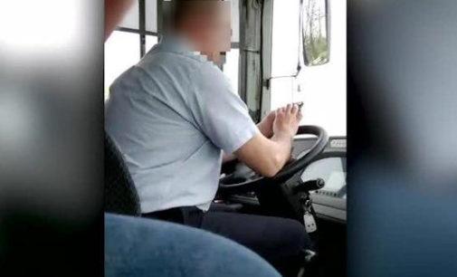 VOGHERA 13/04/2016: Autista usa lo smartphone mentre guida. Un passeggero preoccupato lo filma. IL VIDEO