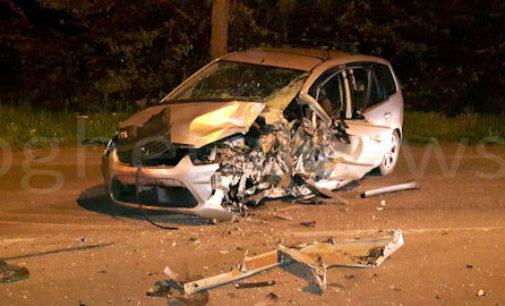 VOGHERA 25/04/2016: Incidente nella notte. Auto si schianta su un albero. Molto grave un 24enne