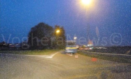 SIZIANO 07/04/2016: Bus si guasta e resta sulla strada
