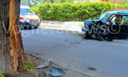 SALICE TERME 06/06/2016: Auto sbanda e si schianta su un albero. In condizioni serie l'80enne che era alla guida