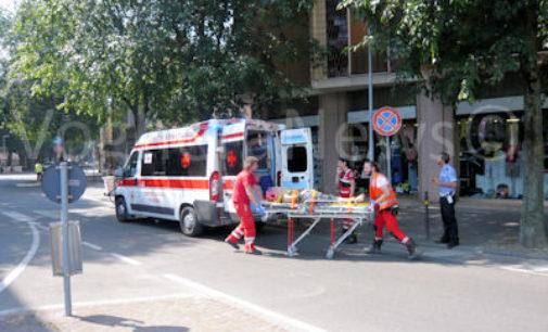 VOGHERA 24/06/2016: Scontro Auto Bici. Donna ferita in viale Matteotti