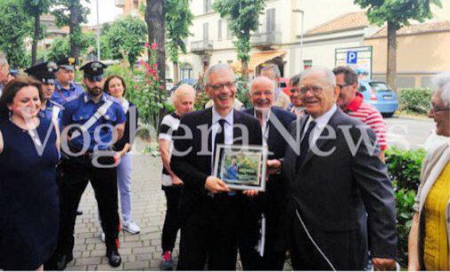 VOGHERA 15/06/2016: Premiato dal Commissario prefettizio il nonno giardiniere Guido Schiavo