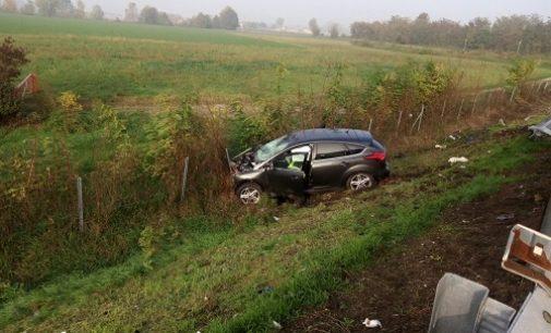 VOGHERA 31/10/2016: Drammatica uscita di strada. Famiglia di 4 persone soccorsa sulla A21
