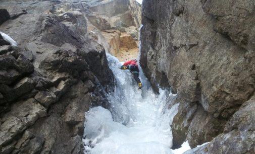 COGNE 20/11/2016: Alpinista vogherese s'infortuna mentre scala una cascata di ghiaccio e passa la notte a 2000 metri