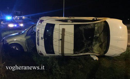 CASATISMA 08/11/2016: Incidente sulla Sp35. Due auto si scontrano e una si ribalta. Tre i feriti