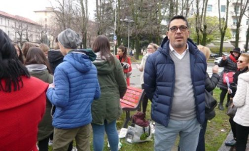 VOGHERA 26/11/2016: Femminicidio. Panchina rossa. Le reazioni