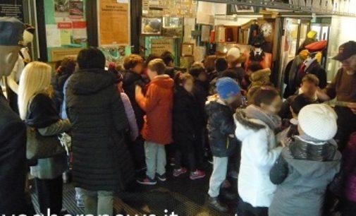 VOGHERA 20/12/2016: Scuole in visita al Museo Ferroviario. 60 bambini delle Benedettine i primi a entrare