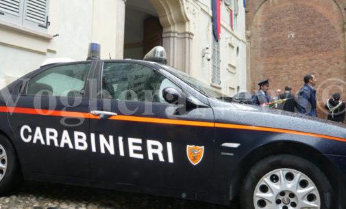 PAVIA 19/01/2017: Spacciatore morde Carabiniere durante l'arresto. Il fatto in piazza Castello