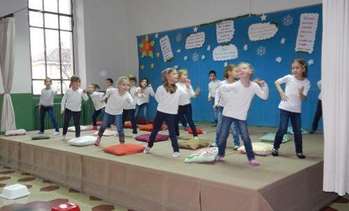 VOGHERA 10/01/2017: Scuola. Spettacolo di teatro-danza alla primaria De Amicis