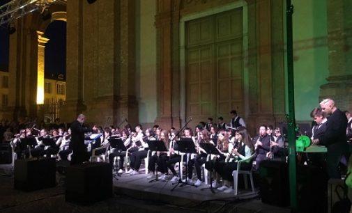 VOGHERA 30/05/2017: Sul Sagrato del Duomo il concerto di fine anno degli alunnni dell'IC Dante