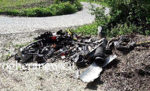 BORGO PRIOLO 16/05/2017: Un lettore segnala l'abbandono di rifiuti speciali in località Arpesina