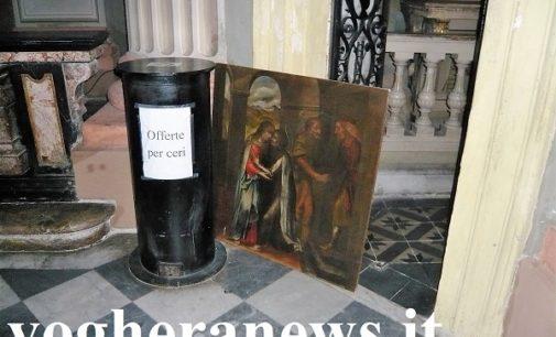 VOGHERA 26/07/2017: Una bacheca rotta e un quadro sacro staccato dal muro. Giallo all'interno della chiesa del Carmine. Si sospetta un tentativo di furto