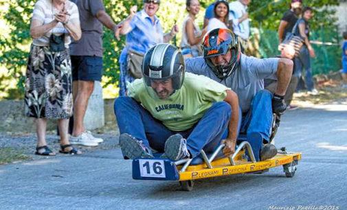 """RIVANAZZANO TERME 31/08/2017: """"Carettini"""" giù da via San Francesco D'Assisi per 800 metri. Nel weekend il 4° G.p. Ass Car. Grande spettacolo per adulti e bambini"""