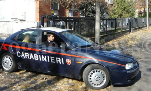 SAN DAMIANO 20/11/2017: Minaccia il figlio con la pistola. Carabinieri arrestano una 78enne