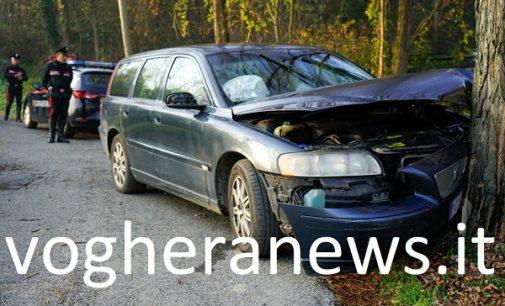 BORGO PRIOLO 18/11/2017: Auto esce di strada e si schianta contro un albero. Morto il guidatore. In ospedale invece a Milano la 15enne travolta ieri a Pavia