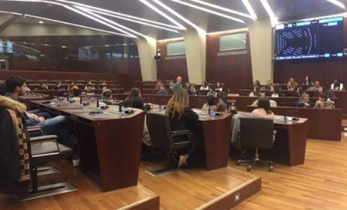 """VOGHERA 10/11/2017: Gli studenti dell'Istituto """"Calvi"""" in visita didattica a Palazzo Pirelli"""