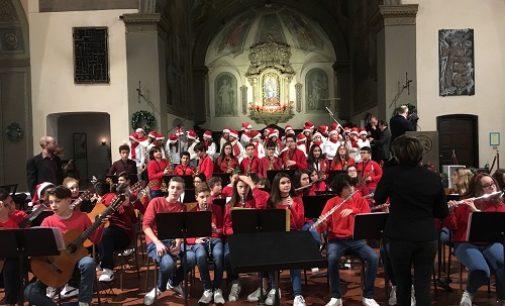 VOGHERA 18/12/2017: Scuola. Tutto esaurito in Santa Maria delle Grazie per il concerto di Natale dell'Istituto Dante
