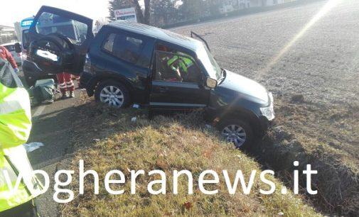 VOGHERA 21/12/2017: Incidente in via Piacenza. Auto esce di strada. Ferito un uomo