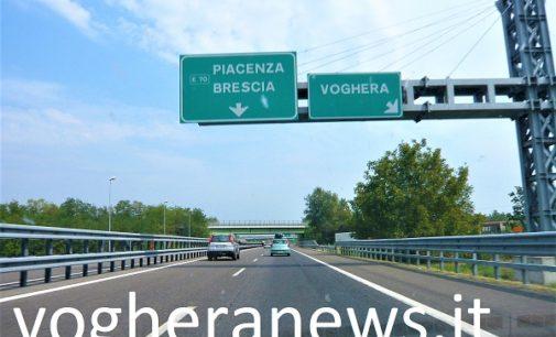 """PAVIA VOGHERA VIGEVANO 02/03/2018: Torna il Gelicidio. Dopo la neve sulle strade il ghiaccio. La Prefettura. """"Possibile, domani mattina, la chiusura delle autostrade"""""""