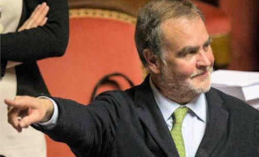 """CASTEGGIO 29/03/2018: Legittima difesa. Il vice presidente del Senato Calderoli: """"Sto con l'autotrasportatore casteggiano"""""""