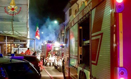STRADELLA 13/03/2018: Incendio in uno scantinato. Evacuata in piena notte una palazzina