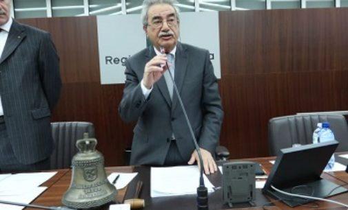 MILANO 05/04/2018: Il pavese Giuseppe Villani apre l'assemblea di insediamento del nuovo Consiglio regionale.  Alessandro Fermi presidente