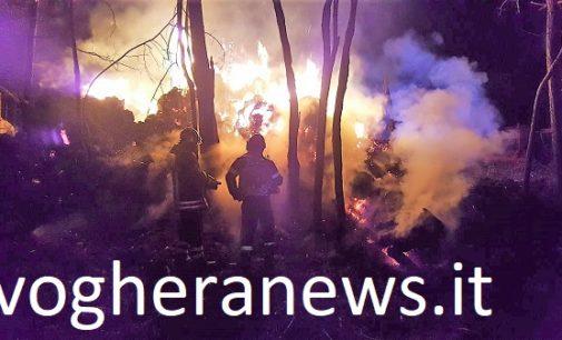 PONTE NIZZA 05/04/2018: Incendio nel cascinale. I Vvf di Varzi salvano un bosco e alcuni cani