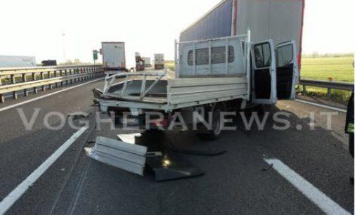 VOGHERA 18/04/2018: Incidente sulla A21. Un ferito. Traffico in tilt