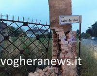 VOGHERA 31/05/2018: Colonna distrutta in via Barbieri. Intervengono Pompieri. La Polizia locale cerca il responsabile