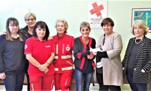 """VOGHERA 18/05/2018: Lions club. 800 euro alla Croce Rossa per la """"Casa famiglia"""" dedicata a Barbara Piernera"""