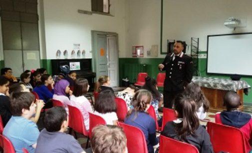 VOGHERA 09/05/2018: Lezione dei Carabinieri sul bullismo alla scuola De Amicis