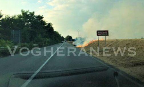 BRESSANA BOTTARONE 05/07/2018: Tre incendi contemporanei sull'argine del Po lungo a Sp35 . FOTO VIDEO
