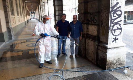 VOGHERA 20/07/2018: Addio ai graffiti che devastano i portici di via Ricotti. Parotti oggi lavori per 120mila euro