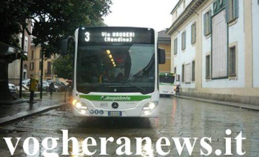 VOGHERA PAVIA 20/05/2020: Autobus. Da domani si torna a salire a bordo dei bus dalla porta anteriore
