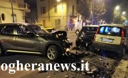 VOGHERA 16/10/2018: Scontro a catena in Corso 27 Marzo. Distrutte 4 auto. Tre le persone coinvolte
