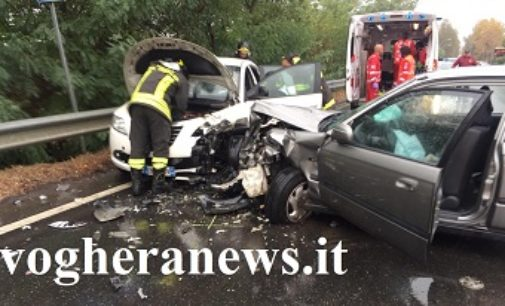 VOGHERA 01/10/2018: Auto invade corsia. 4 feriti in via Piacenza