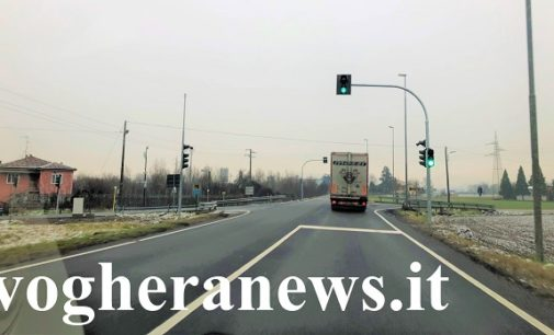 BRESSANA 02/01/2019: Attivo il semaforo sulla provinciale. A breve arriva anche la fotocamera contro chi passa col rosso