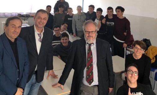 VOGHERA 12/03/2019: Una lezione di sport radio-televisivo al liceo Maragliano