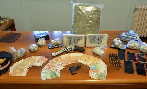 BRONI CASANOVA L. 21/03/2019: Droga e Armi. Carabinieri arrestano 4 persone. Nell'operazione sequestrati 2.5 kg di cocaina
