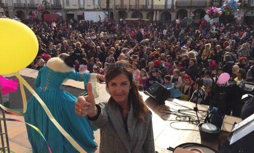 VOGHERA 04/03/2019: Successo Domenica del Carnevale vogherese. In 2000 hanno animato piazza del Duomo