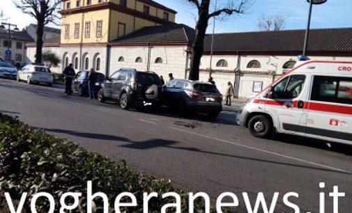 VOGHERA 05/03/2019: Tamponamento in via Gramsci. Coinvolte tre auto e 6 persone