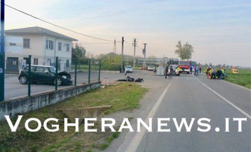 VOGHERA 18/04/2019: Scontro su strada per Retorbido. 5 i feriti. Per uno interviene anche l'elisoccorso
