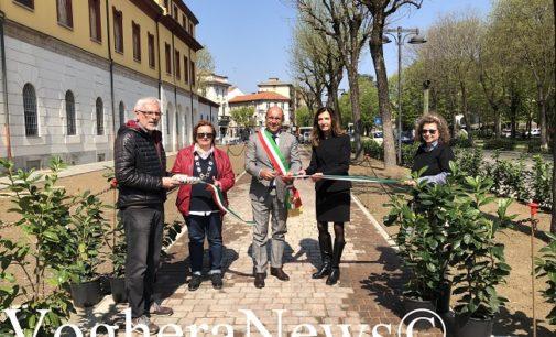 """VOGHERA 09/04/2019: Inaugurata la nuova area pedonale in via Gramsci. Il Comune: """"Operazione di marketing territoriale per attrarre imprese nell'ex Caserma"""