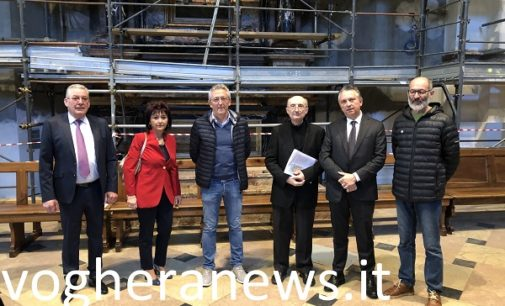 """VOGHERA 08/04/2019: Dopo 5 anni al via nuovi restauri in Duomo. Sono una donazione della famiglia Bariani e della loro società. """"Il nostro ringraziamento alla Parrocchia"""""""