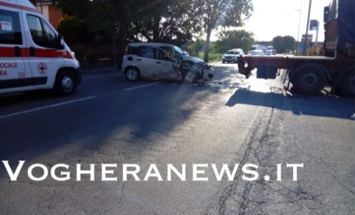VOGHERA 16/05/2019: Incidente in via Lomellina. Coinvolte una donna e una bambina